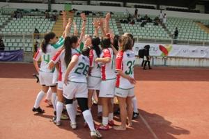 Equipa de rugby 7 feminino vai tentar a revalidação do título.