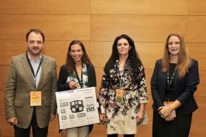Na foto com o prémio Inês Delgado, investigadora do ISPUP que recebeu o 1º prémio.