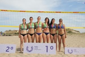 U.Porto domina Voleibol de Praia com medalha de ouro e prata.