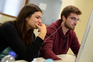 estudantes de Ciências da Comunicação