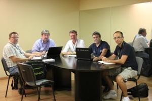 Membros da IFF (à esq), Bruno Almeida (centro), Daniel Vieira e Miguel Monteiro (à dir).