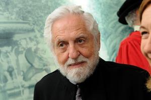 Carl Djerassi no dia em que foi agraciado com o título de Doutor Honoris Causa.