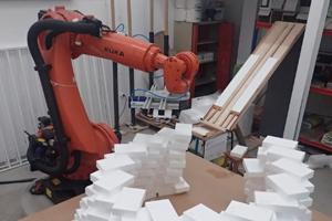 O DFL, grupo de investigação do Centro de Estudos de Arquitectura e Urbanismo (CEAU) da FAUP, conta com um braço robótico único no país que permite desempenhar várias tarefas do ponto de vista da produção.