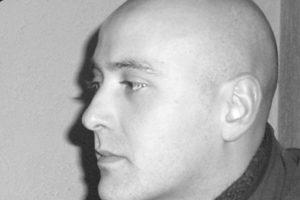 Álvaro Andrade Fernandes licenciou-e e doutorou-se na FAUP, onde lecciona desde 1999.