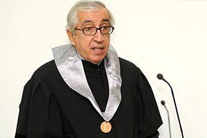 Cerimónia de Doutoramento Honoris Causa de Artur Santos Silva.<br /> Porto, Faculdade de Belas Artes da Universidade do Porto.<br /> 30 de Novembro de 2010.