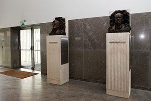 Bustos de Corino de Andrade e Nuno Grande no ICBAS