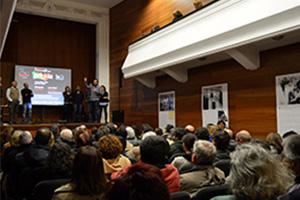 O auditório estava cheio durante a paragem da digressão em Grândola.