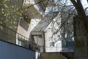 O complexo de edifícios da FAUP, construídos entre 1985 e 1993, é da autoria de Álvaro Siza, Professor Catedrático Jubilado da Escola (c) Egídio Santos / Universidade do Porto