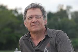 O presidente da AMI, Fernando Nobre, marca presença no pré-congresso
