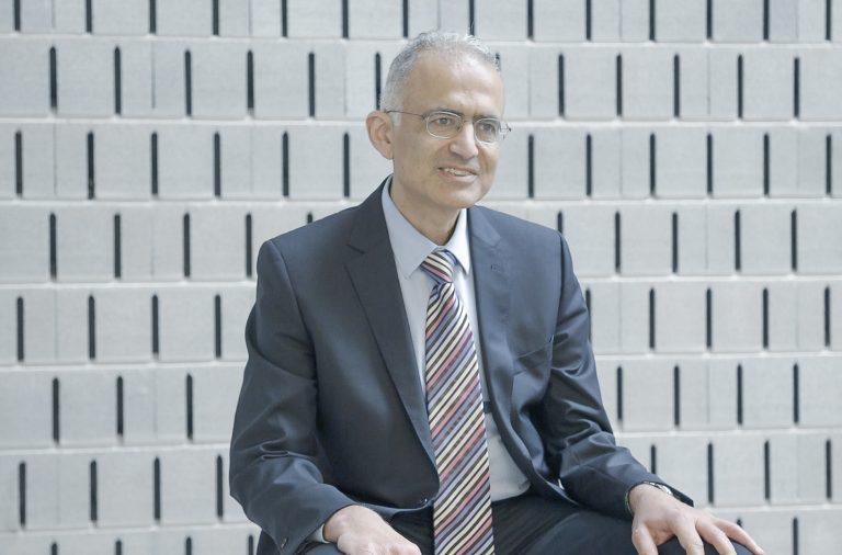 Moustapha Kassem, vem da University Hospital of Odense, Dinamarca e conta-nos sobre as Células Estaminais neste Ep04 da serie i3S Library Talks.