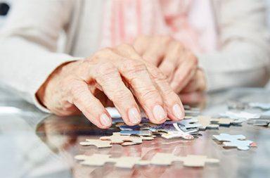 demência (destaque)|Foto estudo demência UPorto julho 2019|Foto estudo demência UPorto julho 2019|demência|Pedro Machado Santos|Pedro Machado Santos (destaque)|idosa