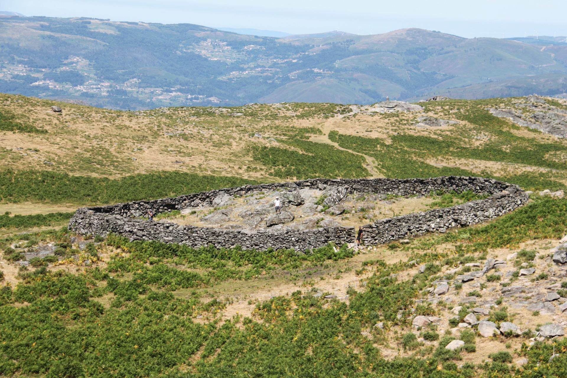 U.Porto e U.Minho estudam preservação de antigas armadilhas de lobo