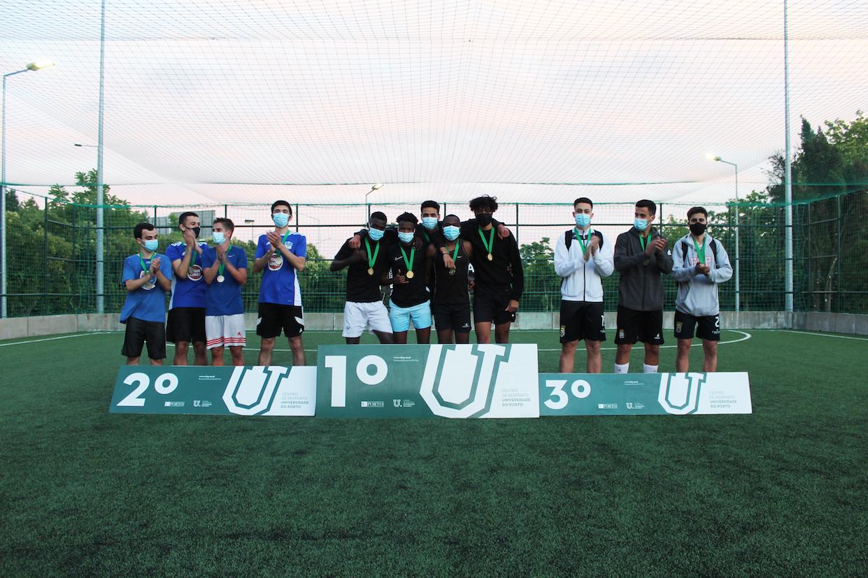 Pódio do Torneio de Futebol 3X3 da U.Porto, organizado pelo Centro de Desporto da Universidade do Porto no Estádio Universitário