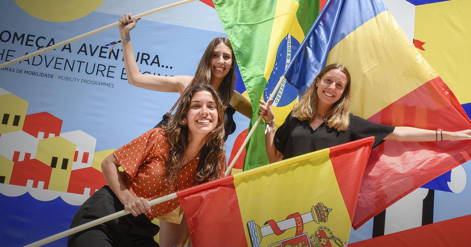 U.Porto atribui mais de 2,5 milhões de euros em bolsas de mobilidade
